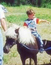 Josh's childhood 照片