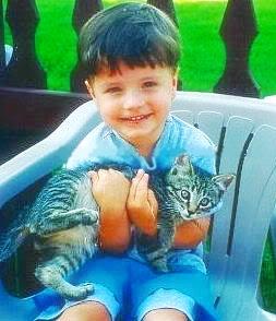 Josh's childhood các bức ảnh