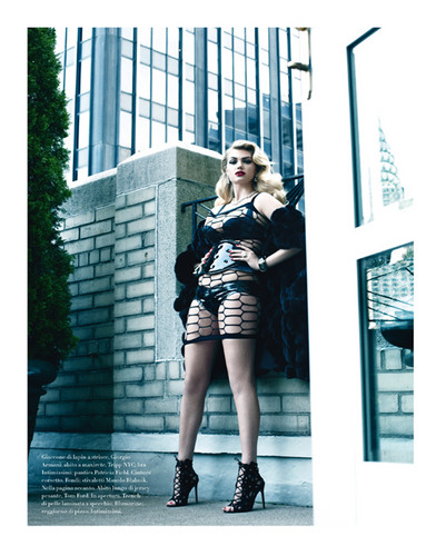 "Kate Upton for ""VOGUE/ Italy"" - (November 2012)"