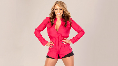 WWE-蕾拉 壁纸 probably containing a playsuit, a legging, and an outerwear called Layla