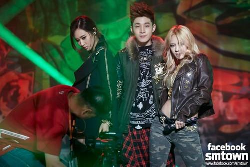 MBC Romantic ফ্যান্টাসি - Yuri, Hyoyeon & Henry