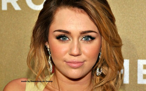 miley cyrus wallpaper containing a portrait called Miley wallpaper ❤