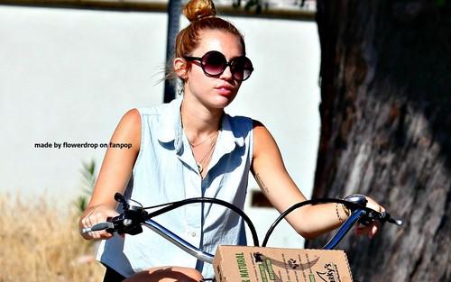 Miley hình nền ❤