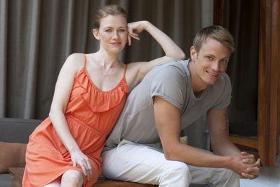 Mireille Enos & Joel Kinnaman