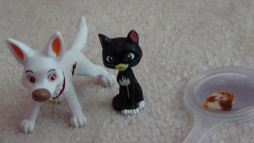Disney's Bolt achtergrond probably containing a chihuahua called My BOLT cake toppers