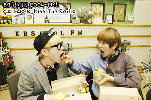 Onew & Key - Kiss The Radio (1.9.2013)