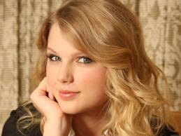 Taylor veloce, veloce, swift wallpaper with a portrait and attractiveness called Pretty girl