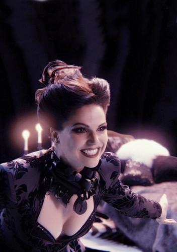 Regina - Gorgeous Queen