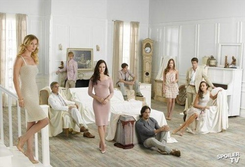 Revenge wallpaper possibly containing a drawing room called Revenge - Season 2 - New Cast Promotional Photos