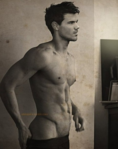 Taylor Lautner wallpaper possibly containing a six pack, a hunk, and skin called SEXY