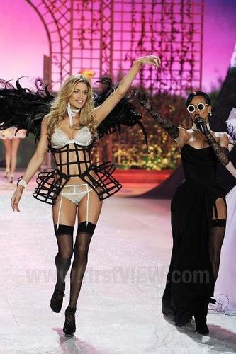 Victoria's Secret Fashion 表示する 2012