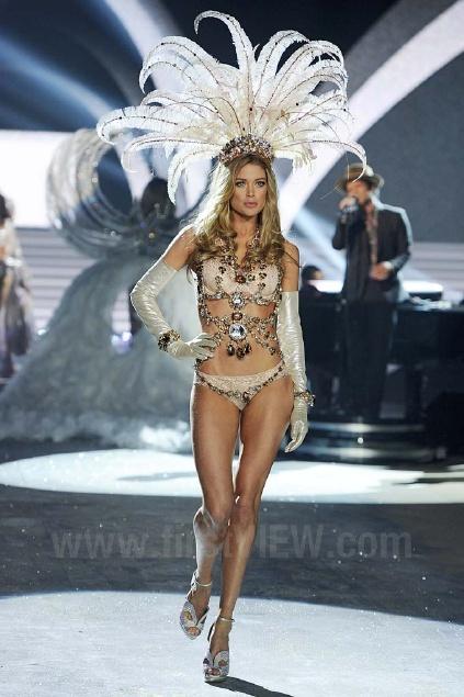 Victoria's Secret Fashion ipakita 2012