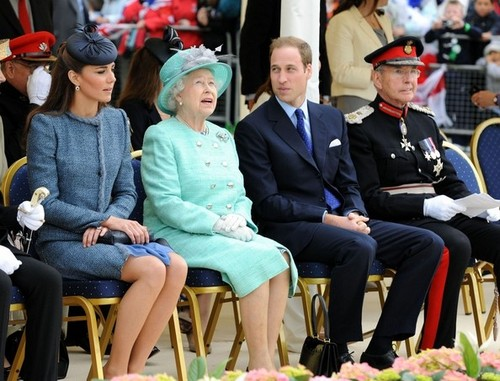Queen Elizabeth II wallpaper with a business suit, dress blues, and a well dressed person entitled Will and Kate join the Queen in Nottingham