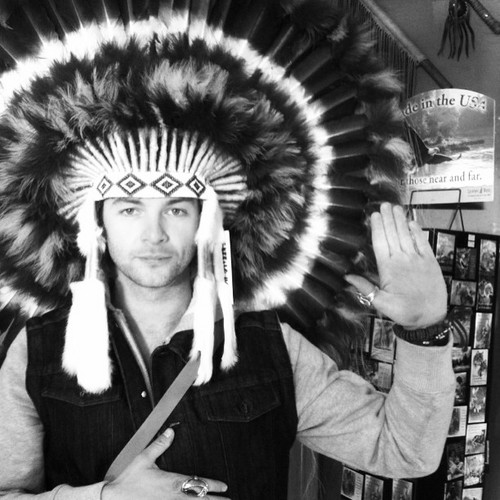 Yeooow #Head #dress #keithharkinYeooow #Head #dress #keithharkin
