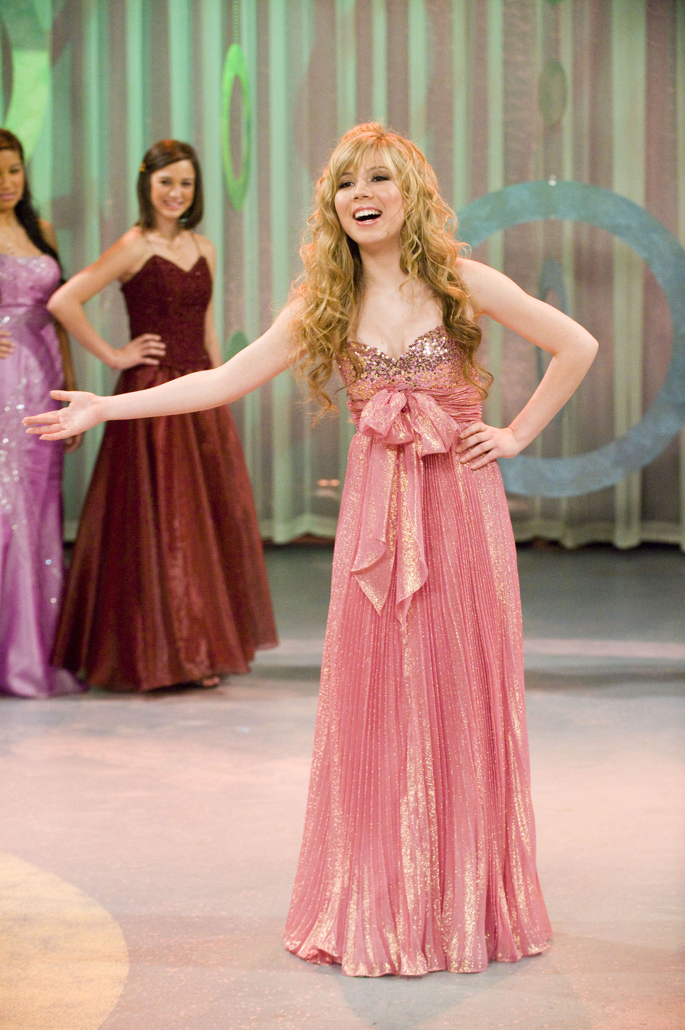 Jennette McCurdy as Sam Puckett