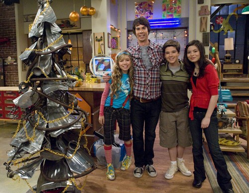 iCarly wallpaper entitled iChristmas