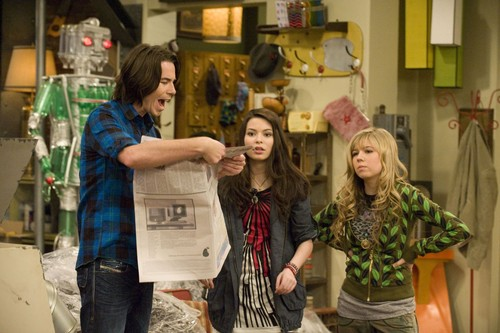 iCarly वॉलपेपर entitled iEnrage Gibby