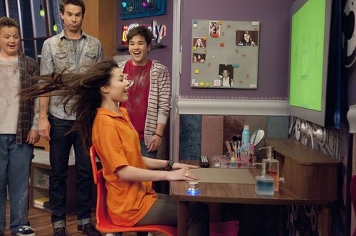 Icarly Images Igot A Hot Room Hd Wallpaper And Background
