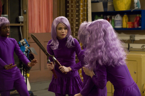 iCarly वॉलपेपर titled iQuit iCarly