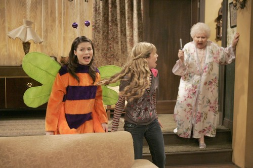 iCarly wallpaper probably containing an outerwear and a box coat called iScream on Halloween