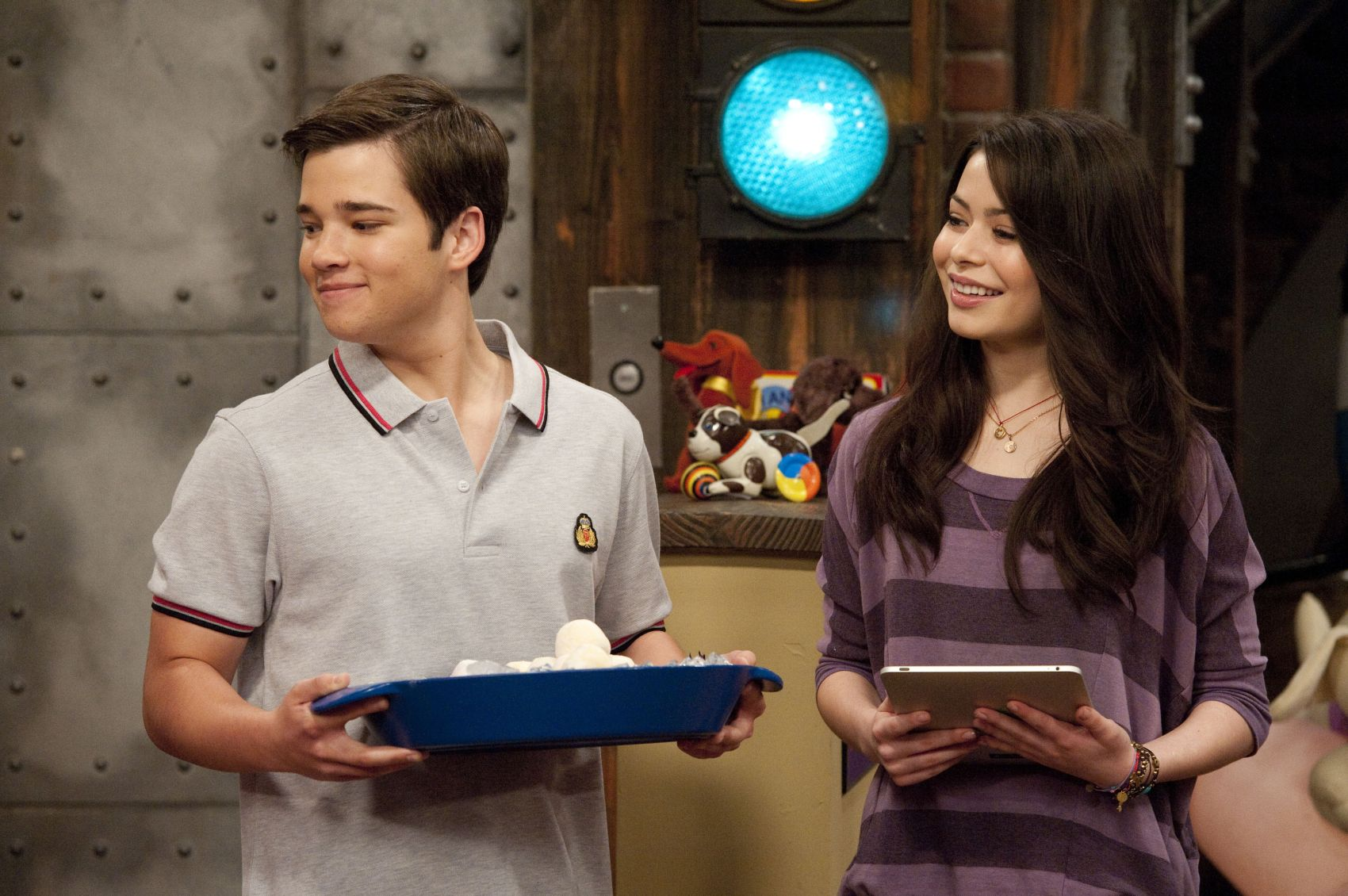 icarly isell penny tees