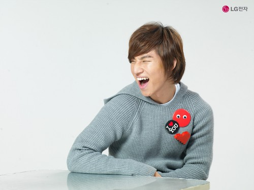 Daesung Hintergrund probably containing a sweatshirt titled ★Daesung★