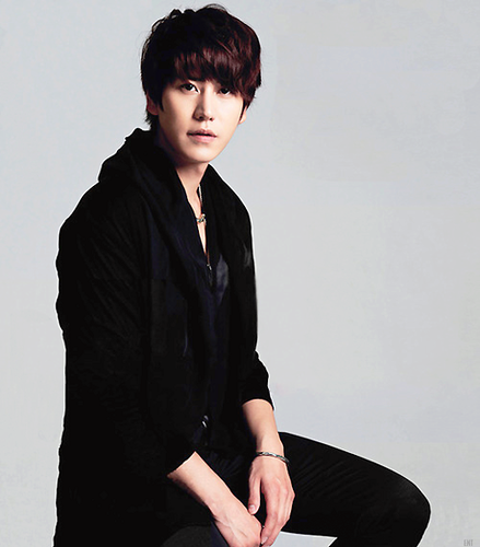 super junior fondo de pantalla containing a well dressed person and a business suit entitled ♥Kyuhyun♥