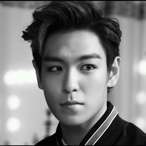 Choi Seung Hyun দেওয়ালপত্র possibly containing a portrait titled ★T.O.P★