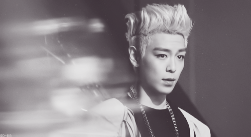 Choi Seung Hyun wallpaper possibly containing a portrait called ★T.O.P★