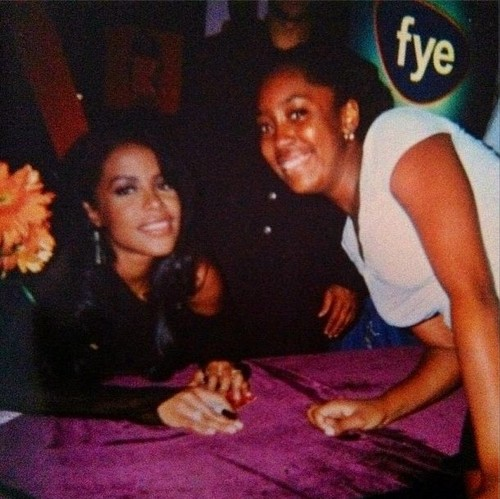 Aaliyah & her fan :)