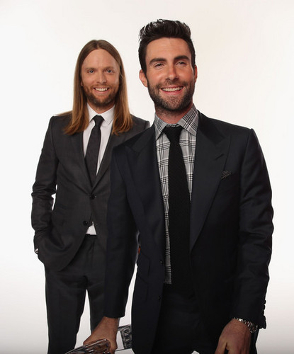 Adam Levine wallpaper containing a business suit, a suit, and a double breasted suit called Adam Levine