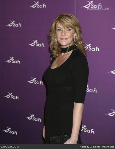 Amanda Tapping achtergrond containing a concert titled Amanda