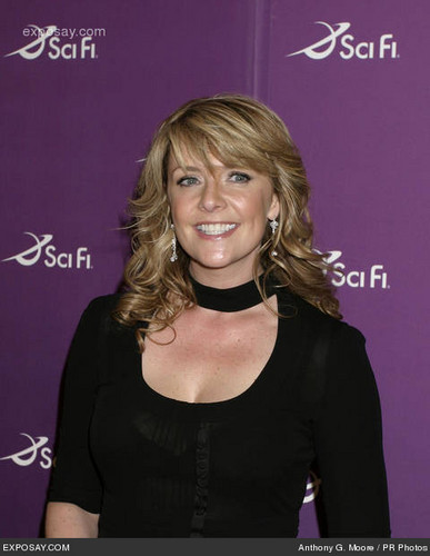 Amanda Tapping Hintergrund containing a portrait titled Amanda