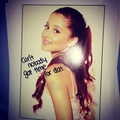 Ariana Grande instagrams fanmail