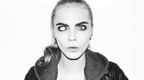 Cara Delevingne वॉलपेपर probably with a pullover, an outerwear, and a box कोट entitled Caraツ
