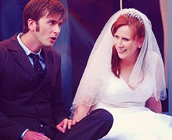 Catherine Tate 바탕화면 containing a business suit entitled David and Catherine