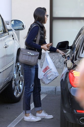 Jordana - Ran errands in West Hollywood - December 30, 2012