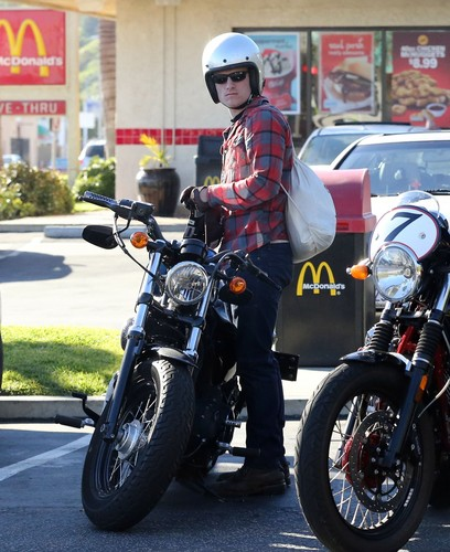 Josh in Malibu, California. 1.20.12 [HQ]