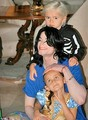 Michael and his kids!!!! - michael-jackson photo