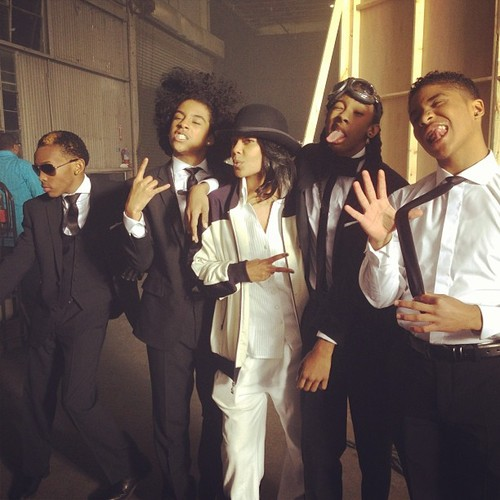 黑少正太组合 壁纸 containing a business suit entitled Mindless Behavior 2013