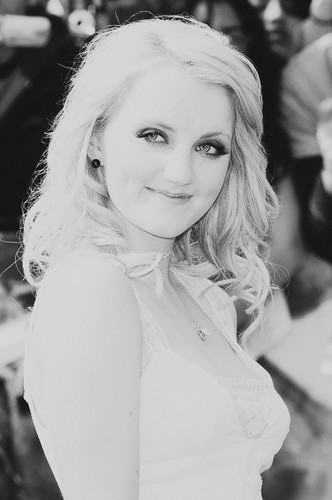 Evanna Lynch 바탕화면 possibly containing a portrait entitled My 편집