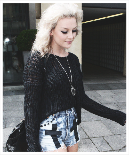 Perrie Perrie Edwards With Fans