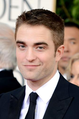 Robert Pattinson at the 2013 70th Golden Globes