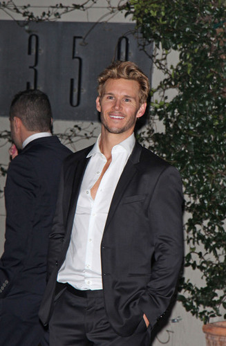 Ryan Kwanten leaving the Golden Globes after party