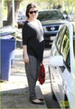 Shiri Appleby shows off her baby bump