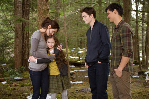 achtergrond of Renesmee, Bella, Edward and Jacob