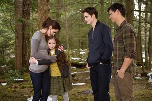 壁纸 of Renesmee, Bella, Edward and Jacob