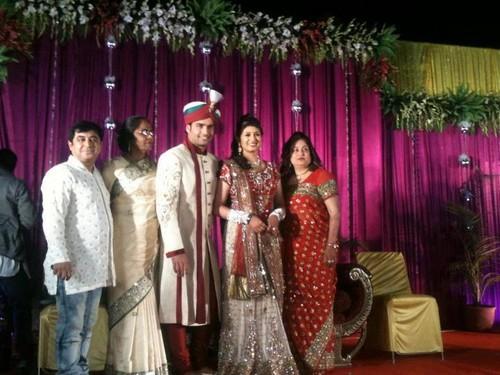 Vivian Dsena fond d'écran probably with a bridesmaid entitled Vivian & Vahbbiz's Reception in Ujjain