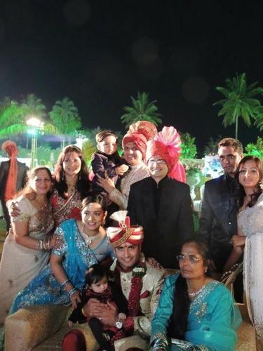 Vivian Wedds Vahbhiz