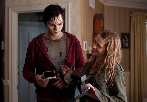 Warm Bodies Movie Hintergrund entitled Warm Bodies - R & Julie